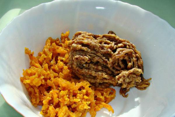 Полезная, сладкая, а главное простая в исполнении колбаска из сухофруктов — очень вкусный десерт