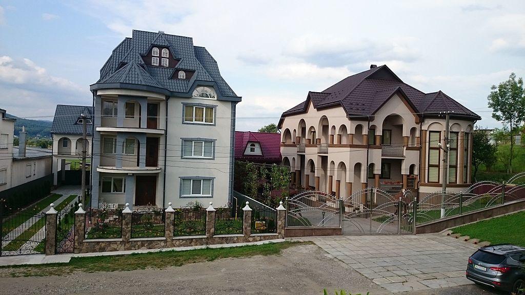 Вот 20 фото самого богатого села Украины. Скажу честно: челюсть отвисла!