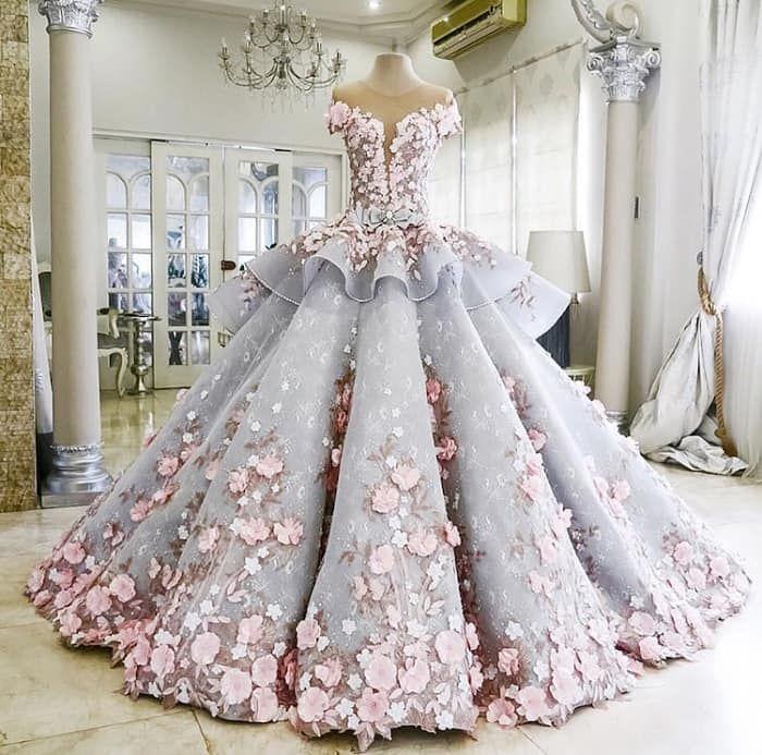 Это восхитительное свадебное платье не то, чем кажется на первый взгляд.