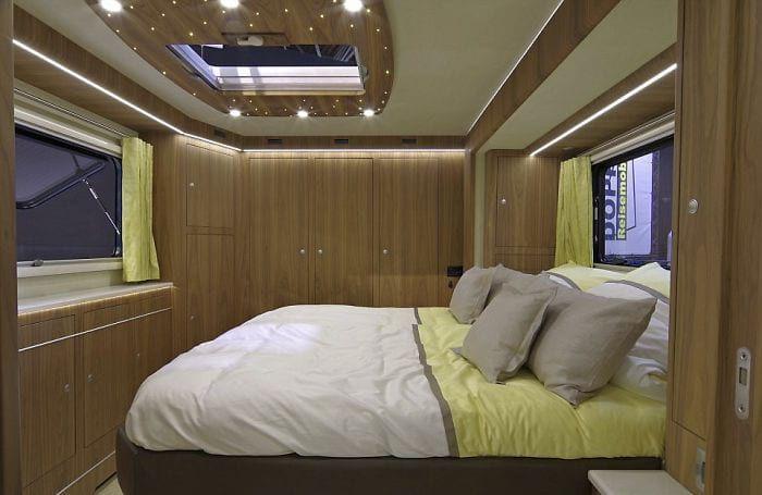 Этот дом на колесах стоит больше 102 миллионов рублей! Его содержание соответствует цене