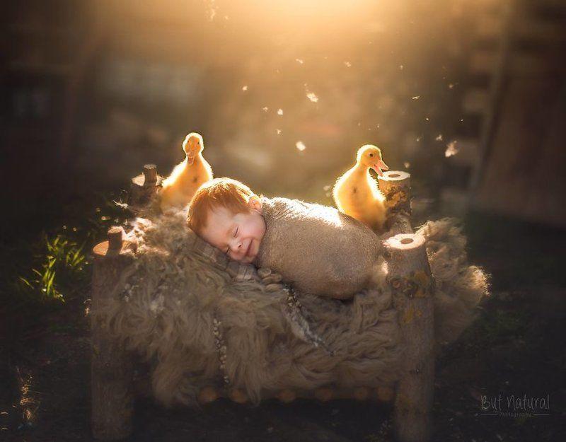 Индийский фотограф снимает малышей с животными — сплошное умиление!