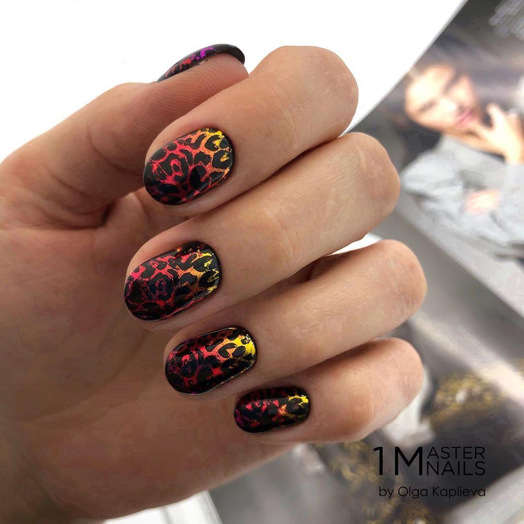 Стильные варианты дизайна ногтей на осень